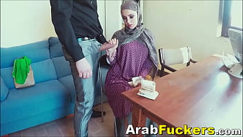 Job seeking arabian sucks for food money...