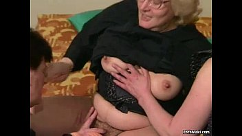 xxarxx Hairy Granny gets dildoed before fucks with young guy