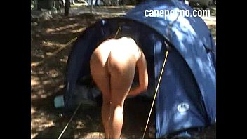 Sega con i piedi in campeggio amatoriale - camping amateur footjob