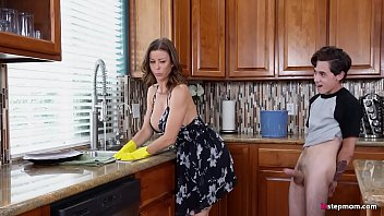 Hot Step Mom Al exis Fawx Cannot do the chores t do the chores while step son t