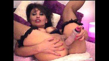hot brunette dildoing her hot pussy(3).flv