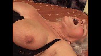 Femeia Matura Si Grasa Face Un Film Porno Platit Cu 1000 De Euro