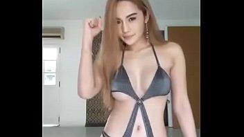 2307 คลิปหลุดสาวไทยไลฟ์สดโชว์บิกินี่สุดเซ็กซี่ลีลาน้องเหลือร้ายนมอย่างใหญ่