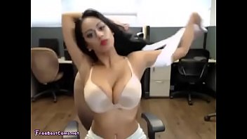 Indian bitch fingering in office - big boobs -round ass