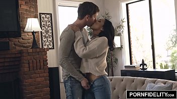 Pornfidelity Vicki Chase Takes An Anal Pounding