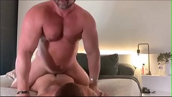 Muscle daddy powerfuck...
