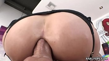 Inked babe sammie six loves anal