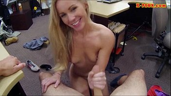 Blonde amateur fucked with pawnkeeper to earn fat cash