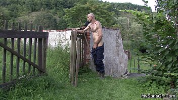 Oldman pleases son'_s gf outdoors