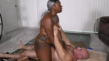black beauty with big juicy ass gets fucked and creamed interracial