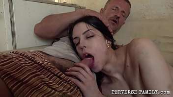 Streaming Video Perverse Family Horny Dad And His Good Little Daughter - XLXX.video