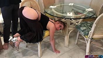 Erin Electra Blocata Sub Masa Si Fututa Brutal Pe La Spate