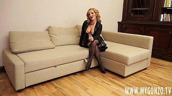 Auditie Porno Brutala Cu Blonda Nimfomana