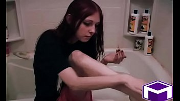 Streaming Video Liz Vicious  LOTION AFTER A SHOWER - XLXX.video