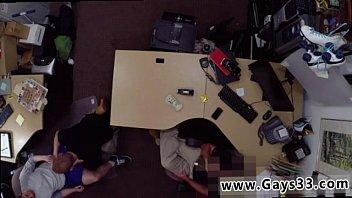 Download de vídeos pornôs Ladyboy gay sex uk He sells his taut donk for cash mais recente em- videoxxx17.info