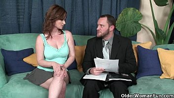 Busty Milf Viol et Addawson Gets Her Hairy Pus s Her Hairy Pussy Fucked