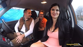 Video Clips Adult, Brunette What The Fuck In The Car