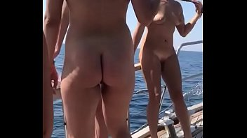 Video sex hot Nude girls at ship Mp4