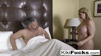 Streaming Video Kiki Daire makes her creepy husband eat cum off her body - XLXX.video