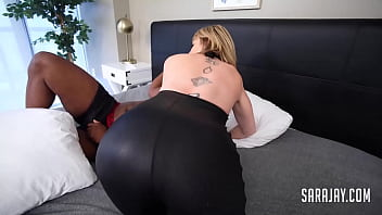 Streaming Video BBW Cop Angelina Castro Catches Naughty Sara Jay And A Big Dick Thief! - XLXX.video