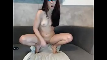 girl squirts all over towel