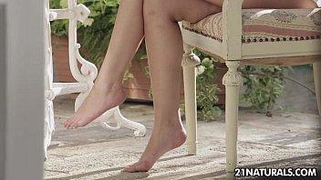 Liona Levi - Sweep Me Off My Feet