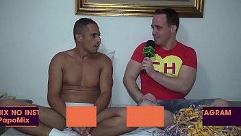 #SUITE69 - Pornstar Jhony Louis fala sobre a estréia em show de sexo - Parte 2