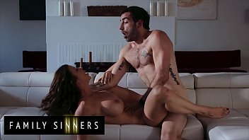 Streaming Video Enjoy fucking with gorgeous (Alexis Fawx, Jake Adams) - Family Sinners - XLXX.video