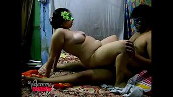 Video porn hot Velamma Bhabhi Sucking Indian Cock