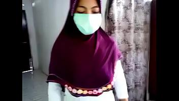 hijab show off 1