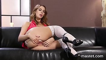 Sexy czech cutie opens up her spread muff to the strange