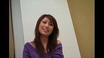【無修正】旦那とご無沙汰な巨乳人妻をハメる!!