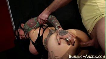 Samba porno gata rebolando na vara