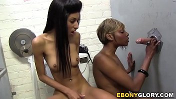 Rashae And Nadi a Pariss   Gloryhole yhole
