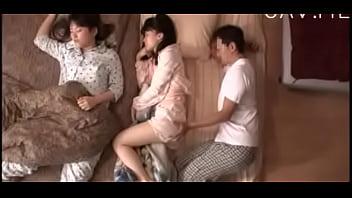 หนังโป๊ญี่ปุ่นแอบเย็ดเพื่อนเมีย ลักหลับเขียเม็ดหีจนตื่นxxxจับจูบเลียหีทีดีดเลย บอกให้พี่เค้ารีบเย็ดมาสักที เงี่ยนหี! | ดูหนังเอ็ก XXX เว็ปหนังโป๊ คลิปโป๊ หนังโป๊นะ.COM->