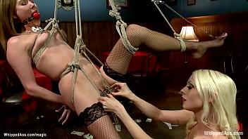 Lesbian singer whips bound waitress