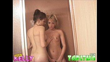 xxarxx Teen KellyTeen Tabitha shower lesbians Part 2