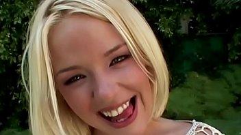 missy monroe a 19 ans blonde et belle elle gagne ses petits pains pour faire plaisir a nos hommes ... amusez-vous