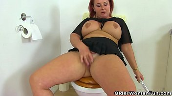 English BBW Sarah Jane gets busy with a dildo in bathroom