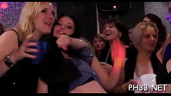 Tons of blonde ladies engulfing schlongs