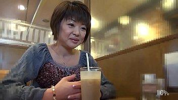 XVIDEO 浅田純子 熟女未亡人をホテルで脱がす(浅田純子)