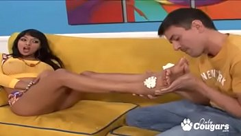 Loona Luxx Has Her Feet Worshiped And Fucked