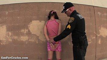 Download de vídeos pornôs Bad Girl Teen Busted By Teacher! livre em videoxxx17.info