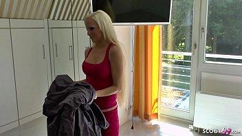 Mature spreading porn