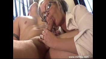 MILF Is A Bad Secretary  #1169608