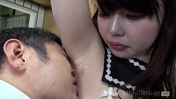 Dog sniffing girl A daughter who wants to suck testicles Kasumi version