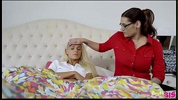 Brattysis - إيما عرافة - الأخوات السري - مشاهدة الجزء 2 على Theporntub.Com.