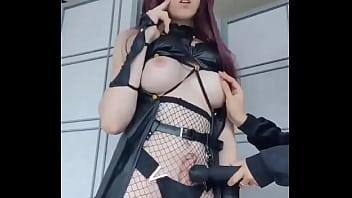 Muñeca transexual eyacula sin tocarse