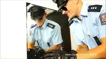 Dominant cops stomps 061...