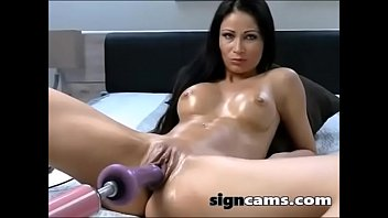 Awesome brunette gets her pussy fucked by sexmachine
